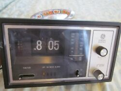 GE General Electric Alarm Clock Analog Radio Model 7-4425B Vintage Flip