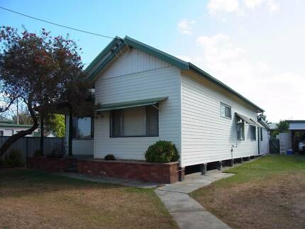 RENOVATED 2 BED HOUSE + 1 BED ATTACHED TENAGE RETREAT WALK TOWN