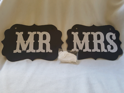 Mr And Mrs Banner With Ribbon
