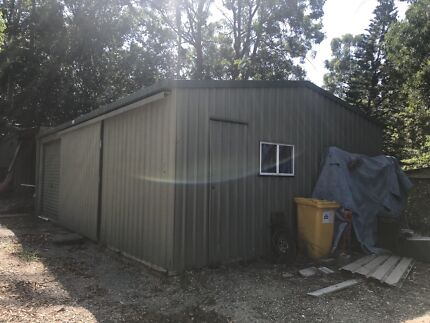 Shed Cheap 10 m x 6 m must sell today