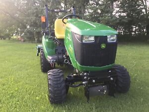 2016 John Deere 1023E MINT only 15 hours