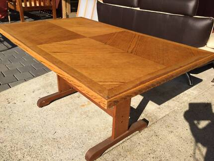 Oak veneer dining table  Some marks on top see photo