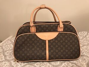 Louis Vuitton Rolling Luggage