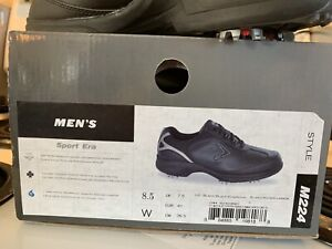 NEW IN BOX Callaway golf shoes 8.5