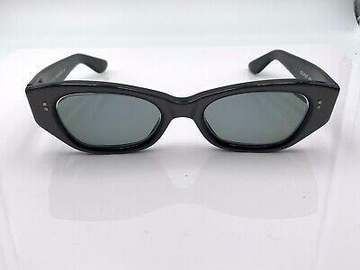 Vintage Gucci GG2418/S Black Gray Oval Cat-Eye Sunglasses Italy FRAMES ONLY