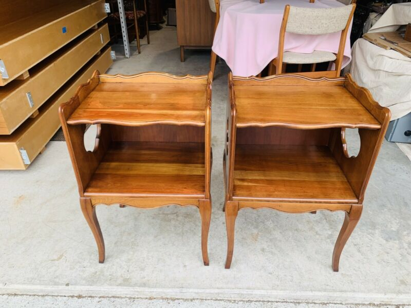 Beautiful Vintage Pair of Solid Maple French Provincial End Tables Nightstands