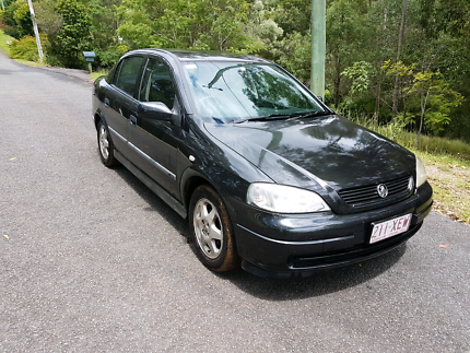 2004 holden astra ts cd black 4 speed automatic sedan cars vans holden astra cd auto fandeluxe Images