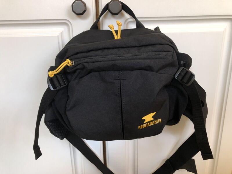 MOUNTAINSMITH Drift Lumbar Pack Heritage Black 5L Capacity