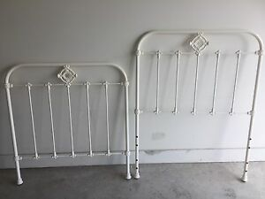 Antique style single bed Waratah Newcastle Area Preview