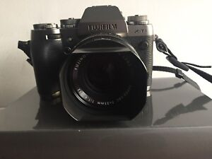 Fujifilm XT-1 Graphite silver edition with 35mm lens