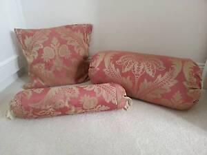 Set of 3 Vintage Pillows Leichhardt Leichhardt Area Preview