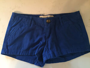 Hollister shorts - size 00 (w23)