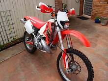 Must See CR500E less than 200kms old - new photos too Rockhampton 4700 Rockhampton City Preview