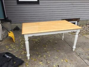 Nice Kitchen Table set to a good home