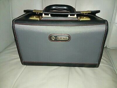 Samsonite Vanity Case Cosmetics Travel Hard Bag Used   with 2 keys