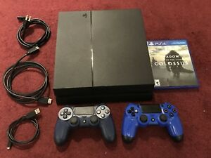 PS4  + 2 Controllers + 1 Disc + 3 Digital Games (GTAV+2 games)