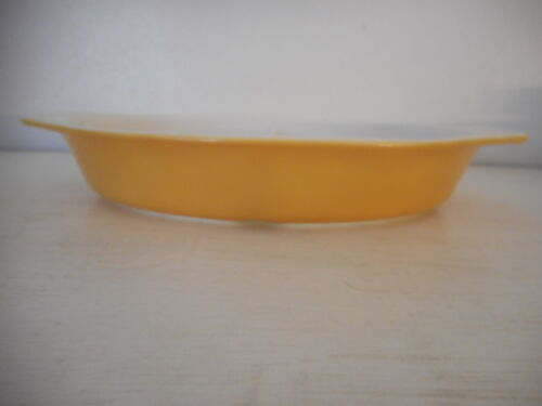 Vintage Pyrex 063  1 Qt Butterfly Gold divided dish Mismarked Stamp!