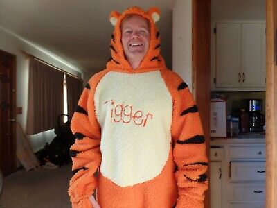 Winnie The Pooh And Tigger Halloween Costumes (Adult Disney Store Winnie the Pooh and TIGGER Fuzzy Plush Full Body)