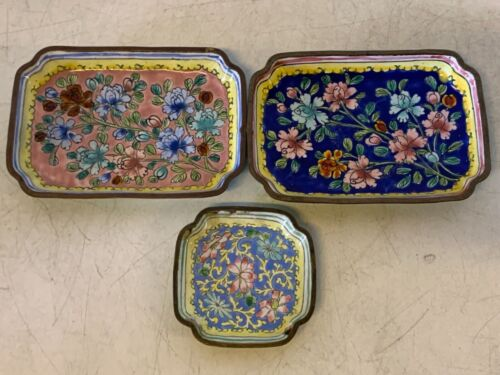 Vintage Chinese Cloisonné Set of 3 Miniature Trays with Floral Decorations