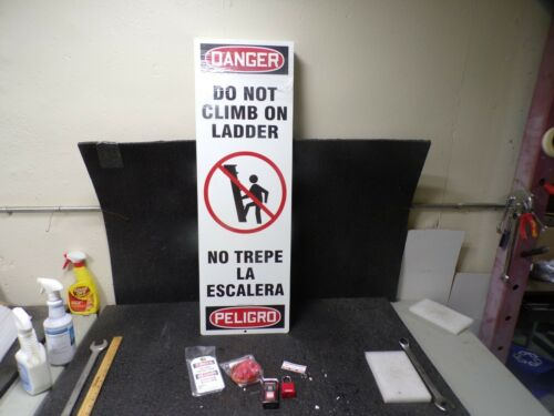 ACCUFORM KLB426 Ladder Climb Preventer,8 (MJ)