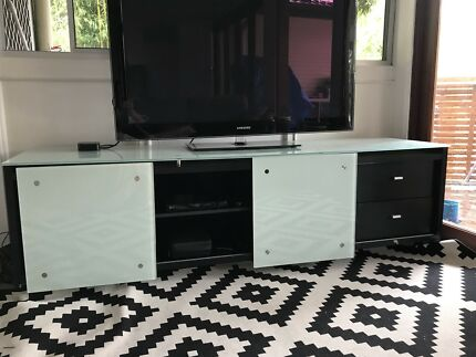 Slim line TV unit