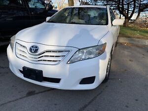 2010 Toyota Camry LE only 56 300 km