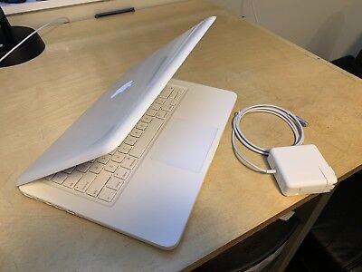 """Apple MacBook White 13"""" A1342 320GB HDD, 4GB of Ram. OS X  High Sierra 2017"""