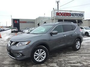 2015 Nissan Rogue SV AWD - PANO ROOF - REVERSE CAM