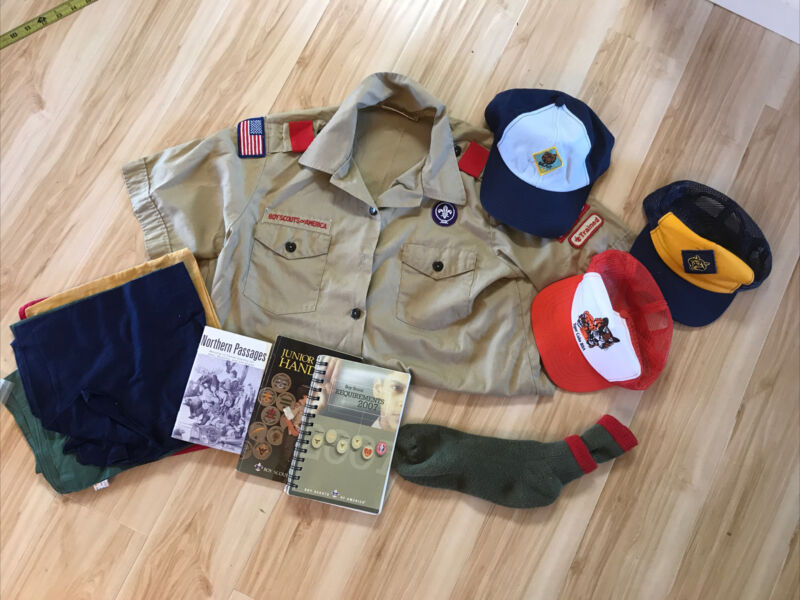Mixed LOT TIGER BEAR Boy Scout Hats Shirt Books Scarves Bag Boy Scouts BSA