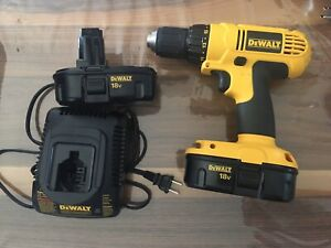 Perceuse Dewalt 18v, 2 batteries + chargeur