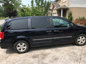2011 Grand Caravan 127,788 km with hitch