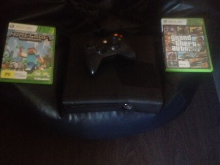 Xbox 360s console with controller + 2 games