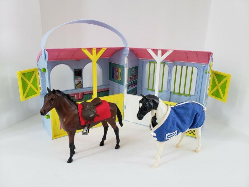BREYER Pony Gals 2 Stall Travel Port Stable Barn w/ 2 Horses Blanket Saddle Pad