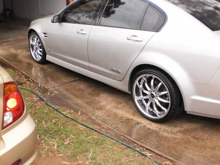 Holden Commodore mags