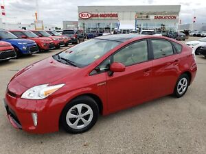2015 Toyota Prius 55 MPG OR 4.3L/100KM COMBINED CITY AND HIGHWAY