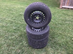 Honda Civic rims and snow tires - like new !