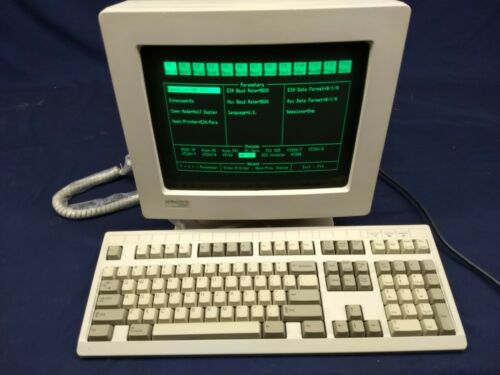 IBM INFOWINDOW II 3153  terminal with keyboard