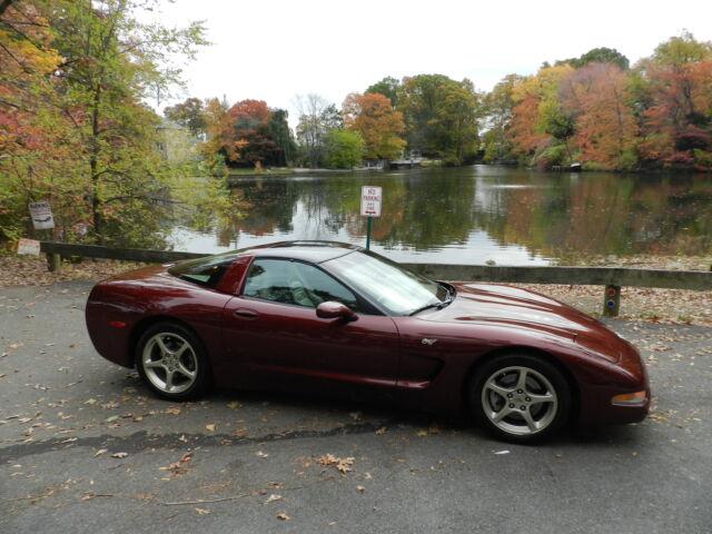 Imagen 1 de Chevrolet Corvette burgundy