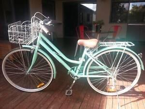 Girls Cyclops Vintage Style Bicycle