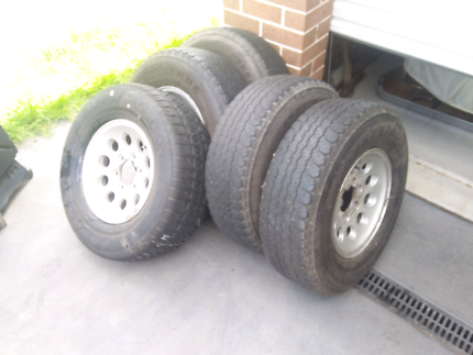 Toyota hilux alloy rims and tyres set of five