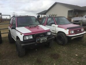 2 Geo Trackers along with 3 for Parts