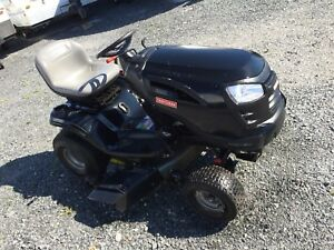 24 hp BriggStratton 2 cylindres 42  pouce 209 heures