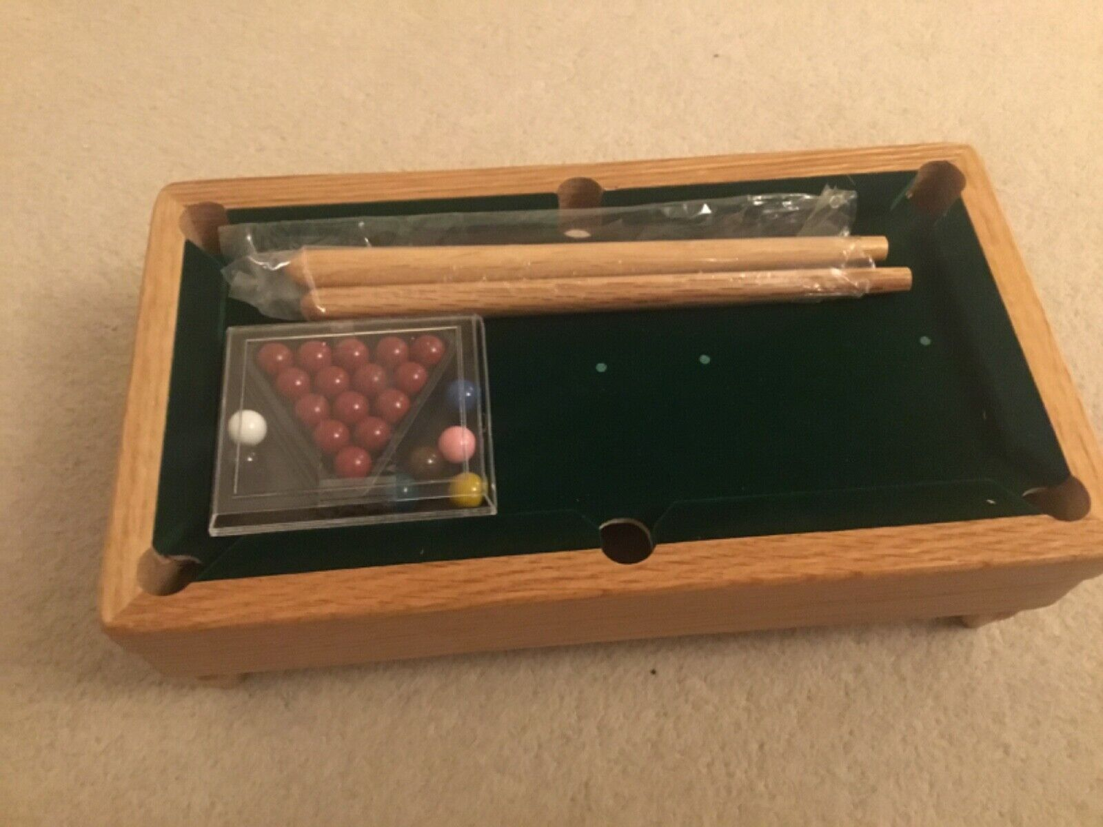 Mini Wooden Table Top Pool Play Snooker Game Set with 2 Mini Cues, 14 Colo