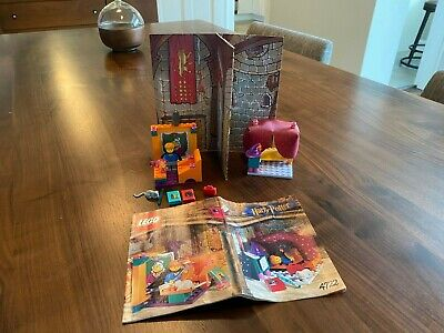 Lego Harry Potter 4722 House of Gryffindor Used, Complete w Instructions, No box