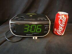 Sony Dream Machine CD Player FM/AM Radio CD-R/RW Dual Alarm Clock ICF-CD815