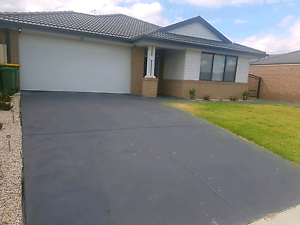Room for rent. Furnished House. Pakenham Cardinia Area Preview