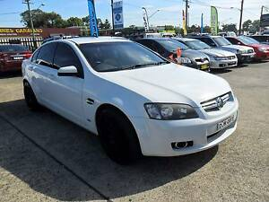 2007 Holden Berlina V8 6.0L AUTOMATIC WHITE 4D Sedan Lansvale Liverpool Area Preview