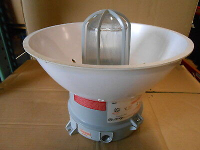 New Crouse Hinds Vmvs2c150gp120 Lx 150 Watt 120v Explosion Proof Light Fixture