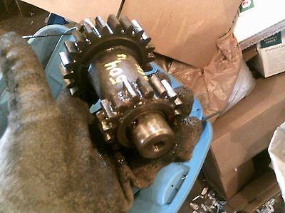 Farmall 504 Utility Tractor Transmission Idler Revere Reverser Gear