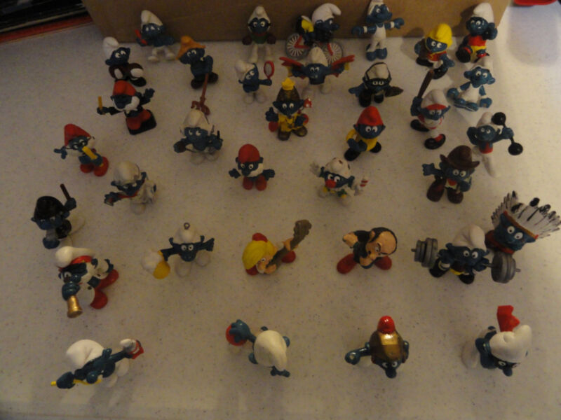 VINTAGE 34 SMURF LOT SCHLEICH PEYO  FROM THE 1970'S AND 1980'S
